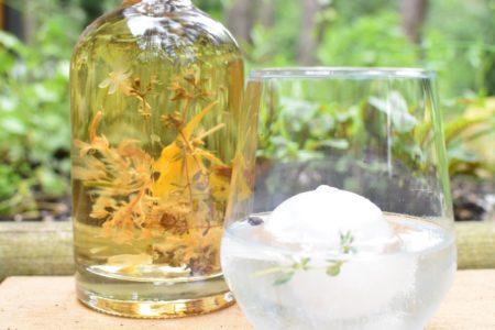 Je eigen gin maken - Bloemen van kruiden