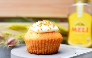 Honing - gember muffin met roomkaas en stuifmeel pollen