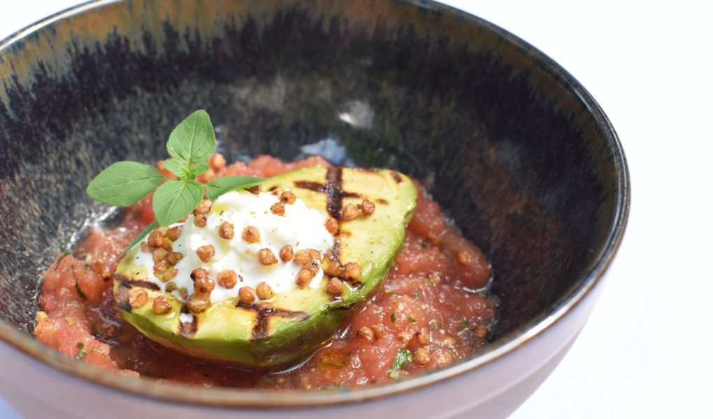Gegrilde avocado - Tomaat - Burrata - Boekweit