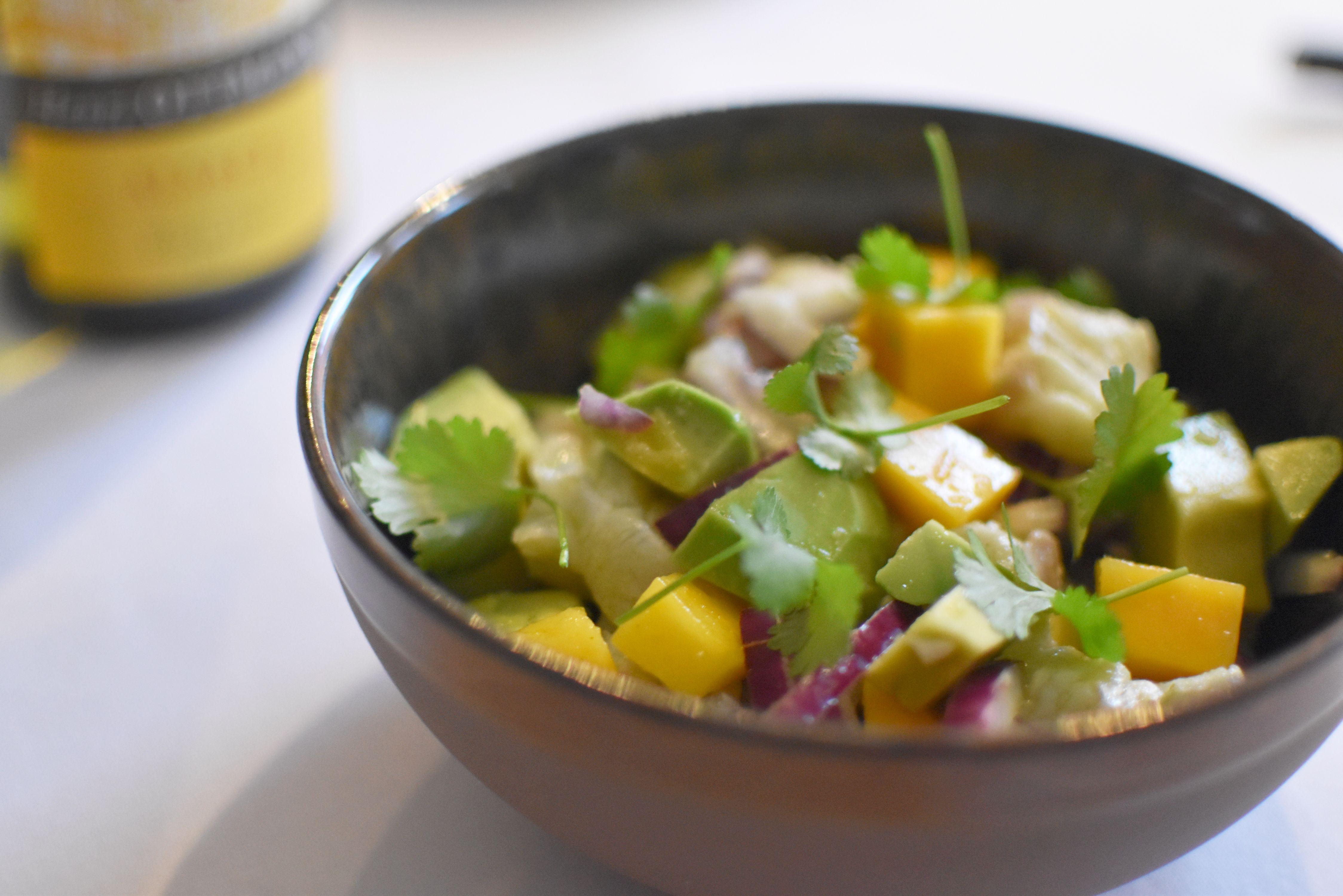 Ceviche van zeebaars met mango en avocado