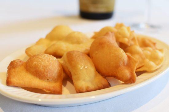 Aperitivo: Parmaham, torta fritta en prosecco