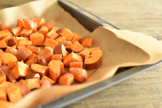 Ovenschotel met kippengehakt en zoete aardappel