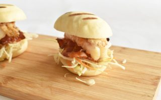 Steamed buns met buikspek en langoustine - Njomy