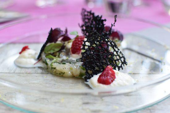 Ceviche van zeebaars - vanillecrème - limoen - framboos