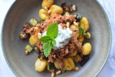 Rundergehakt met in oven gebakken courgette, aubergine en gnocchi