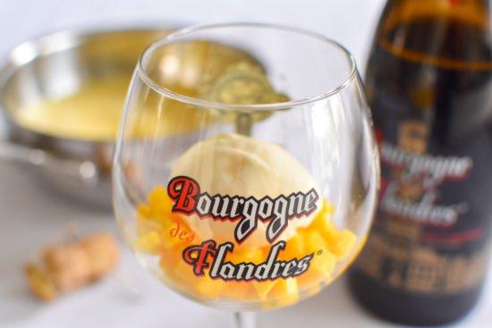Sabayon van Bourgogne des Flandres met mango en krokante havermout