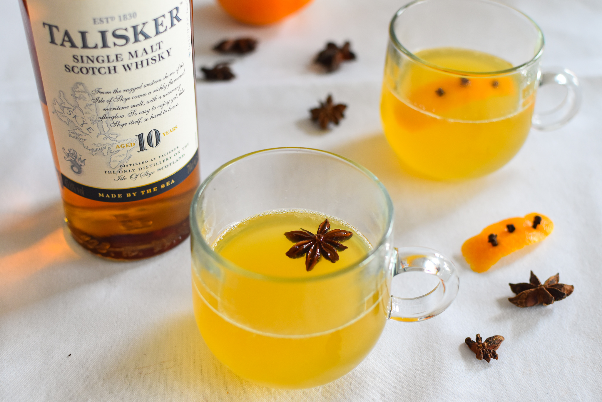 Talisker cocktails -  Hot Chocolate of Appel Toddy