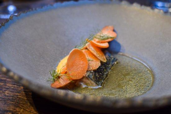 Makreel -  Crème van gekonfijte wortel- Verjus - Taxi's Restaurant - Gent - Puur, ruw & verfijnd