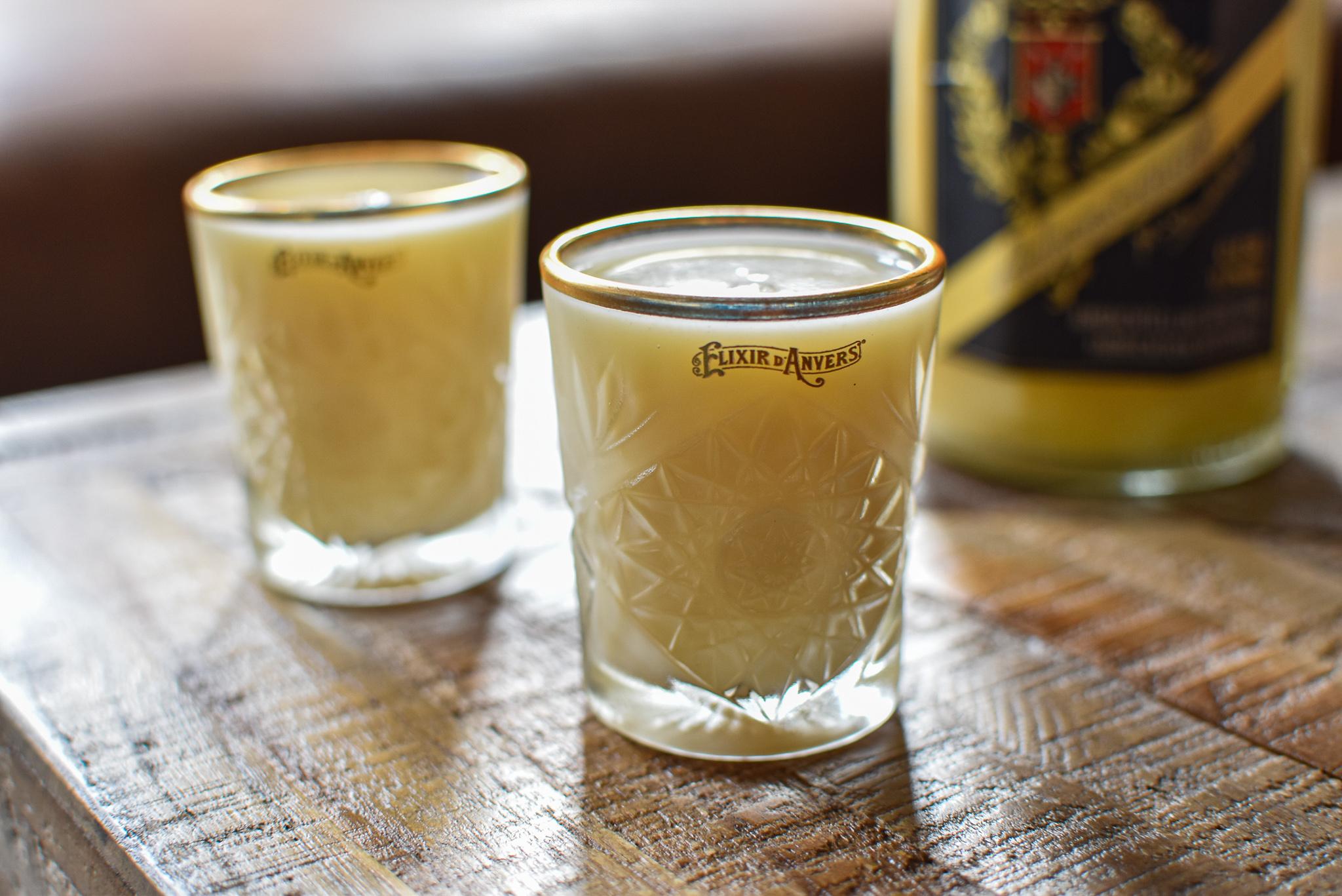 Shot: Elixir d'Anvers Advocaat - Gin - Sherry