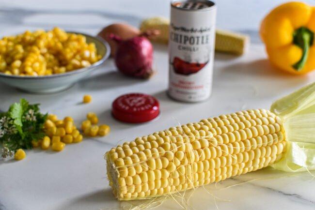 Maissoep met zure room en Chipotle