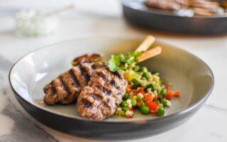 Kruidig rundvlees of kofte met parelcouscous en koriander