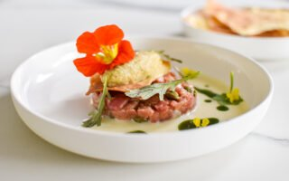 Tartaar van kalfsvlees - Tuinkruiden - Aubergine - Pane carasau