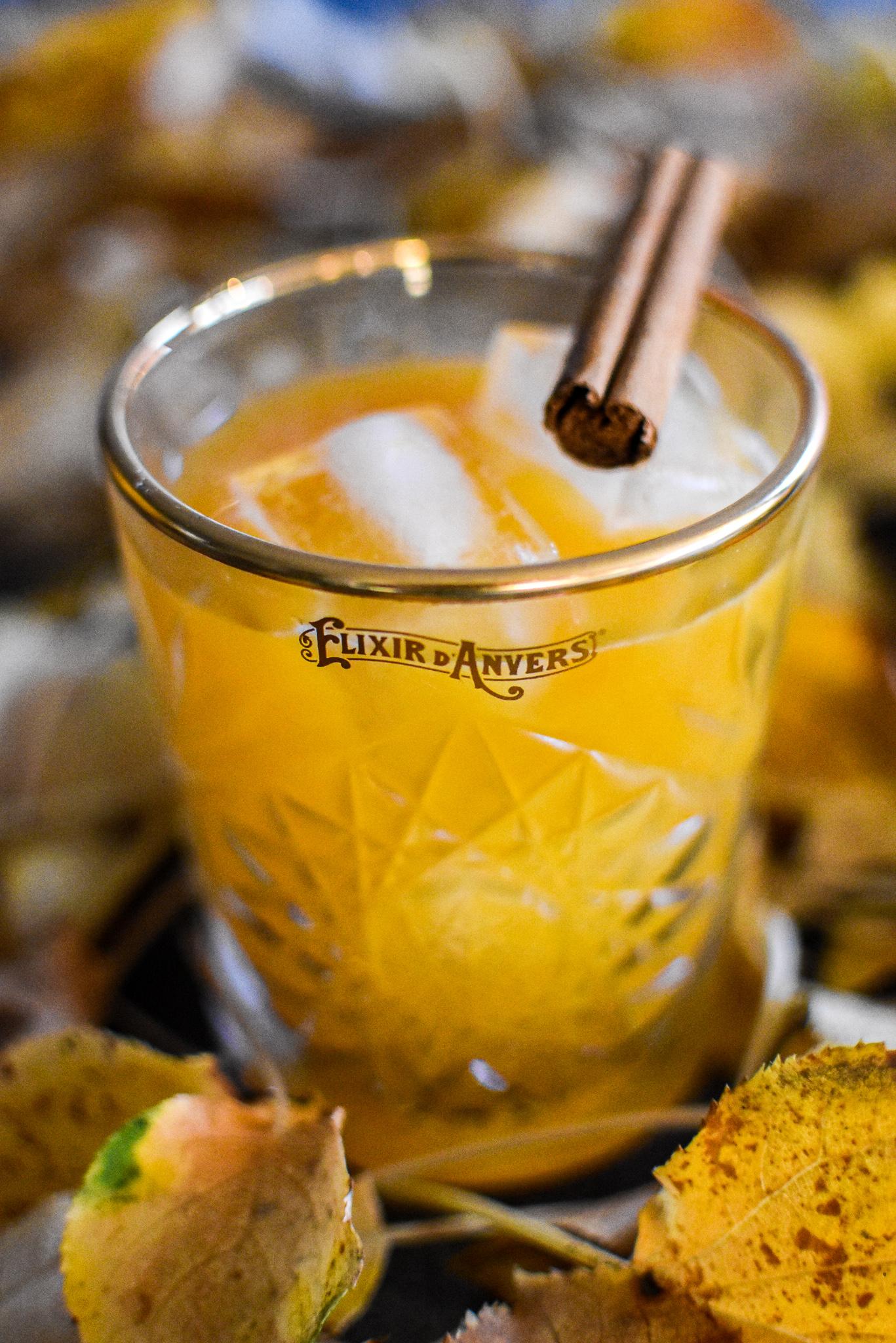 Halloween cocktail: Elixir d'Anvers - Rum - Pompoen