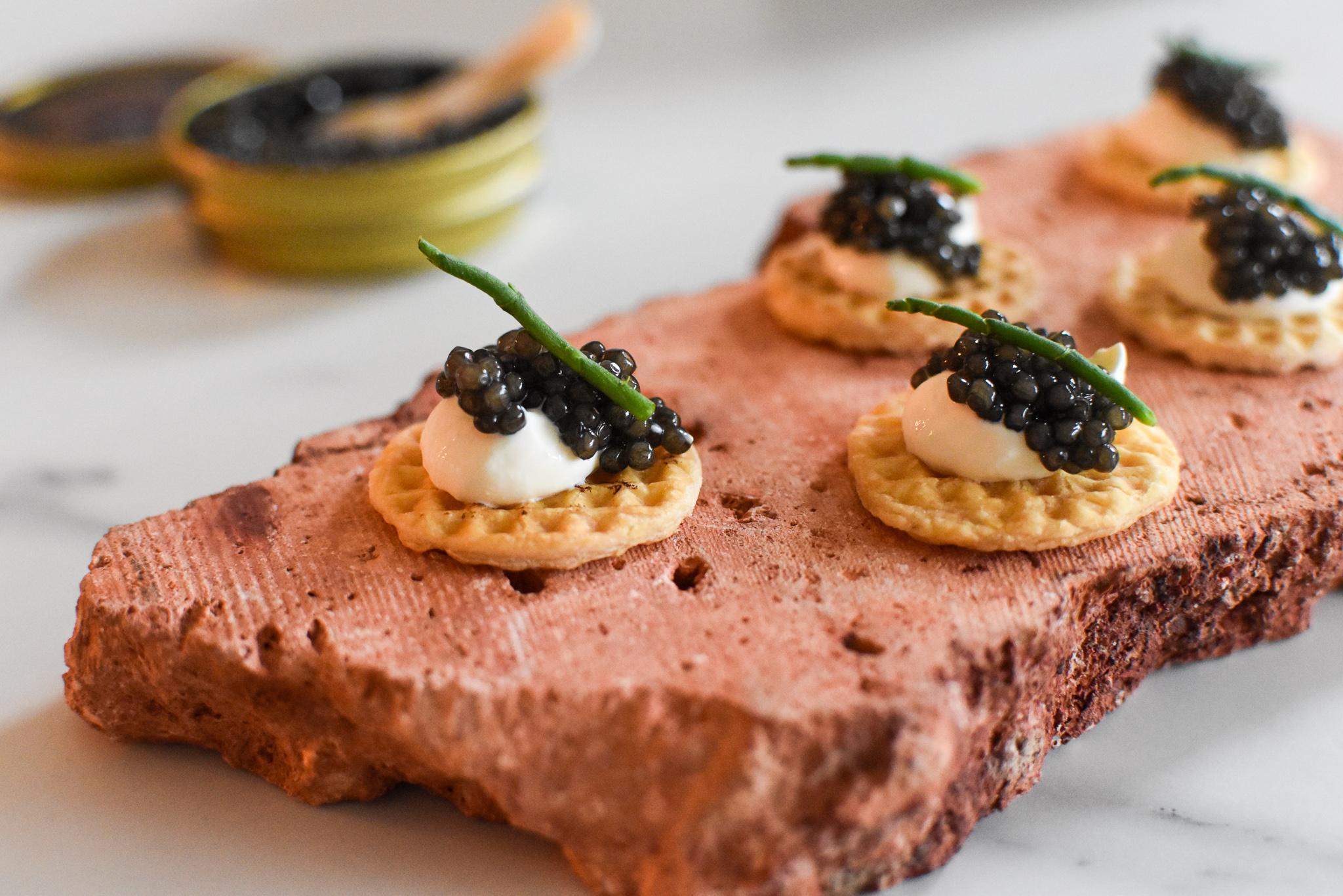 Royal Belgian Caviar - Zure room - Bladerdeegwafel