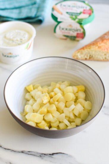 Crostini met asperges en Boursin