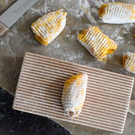 Pompoen gnocchi met herfst ragu en Parmezaanse kaas